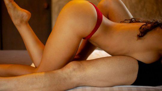 Il sesso anale è sempre meno un tabù! Ecco cosa pensano i giovani e dove guardare i migliori video